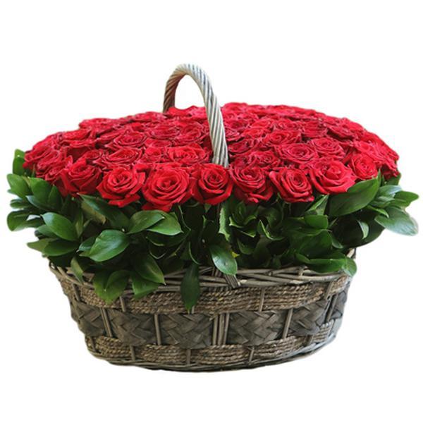 Стоит букет, где купить цветы с доставкой на дом